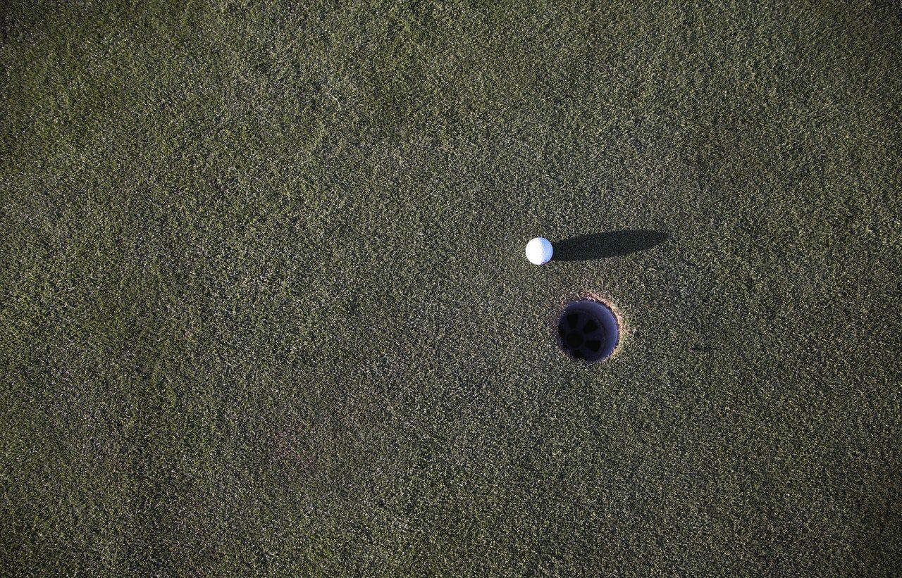 ball-golf-golf-ball-97768